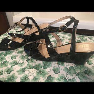 Liz Claiborne black shiny leather heeled sandles